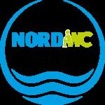 Logo NORD WC, KREIS MIT WASSER UND EINEM MÄNDCHEN AUF DEM KLO SITZEND